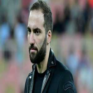 Pipe Sierra: Argentine striker Gonzalo Higuaín has successfully passed the medical exams to be a new player Chelsea. They will proceed to sign the contract.