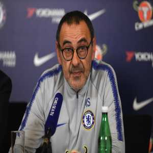Sarri on Gonzalo Higuain: 'He is a very strong striker, especially in my first season in Naples. He did very well. For sure he is one of the best strikers in my career. He has the right experience to play here.' #CHETOT