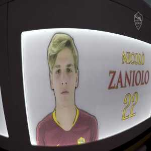 """Has Totti given you #10 yet?"" AS Roma short on being Zaniolo"
