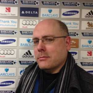 Simon Johnson: cfc fans booing Sarri's substitution of Higuaín. Giroud on instead. 'You don't know what you're doing', sing the Chelsea fans in the away end.