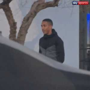 [Sky Sports] Youri Tielemans has completed his medical with Leicester City