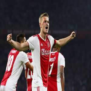 """THE CASE OF DE LIGT 🎙️@orioldomenech : 🔊 """"The situation is similar to that of De Jong in October. The most interested teams are Barça, Juve, PSG and Bayern"""" 🔊 """"It will cost about 70 M € . Barça have an advantage: it has De Jong and Ajax would be better than other clubs """""""