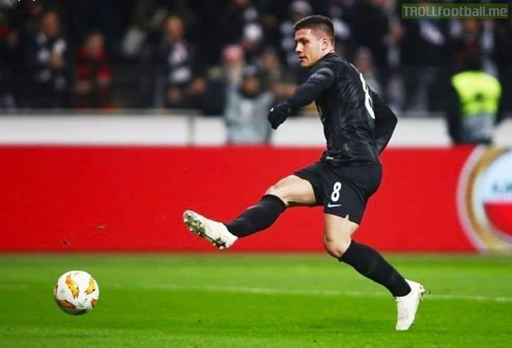 FC Barcelona and Eintracht Frankfurt  forward Luka Jović (Bundesliga Top Scorer) have agreed to terms that would bring the Serbian to Barcelona this summer.