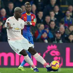 @StatmanDave: Paul Pogba has been directly involved in 20 Premier League goals this season (11 ⚽️ & 9 🅰️). From central midfield. 😱😱😱