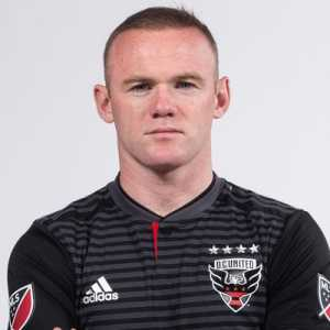 "Wayne Rooney to Rio Ferdinand: ""Looks like you need picking up. Won't be long 👍🏼"""