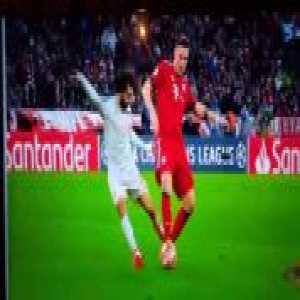 Salah penalty shout vs Bayern