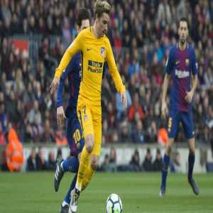 Barça have again approached Antoine Griezmann's entourage who very attentively are listening. He's questioning his decision to stay at Atléti after seeing his side eliminated by Juventus in the CL. If triggered prior to July, his release clause is €120M. [L'Equipe]