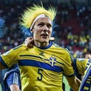 John Guidetti doesn't get called up. Then Victor Nilsson Lindelöf says no to his call up. Now after the game against Romania, Emil Forsberg leaves the team and Robin Olsen refuses to talk to the media. All have the same agent, Hasan Cetinkaya.