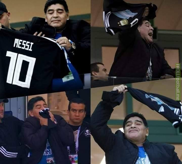 """🔊 Maradona: """"Messi has to ignore the critics. It's not his fault. He's in a bad, disorganized team... a team that always depends on him, in every way. He's an amazing and extraordinary player, he's got nothing to prove to anyone."""""""