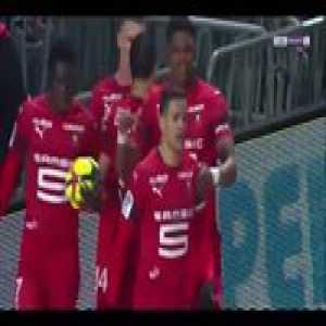 Hatem Ben Arfa scored this surreal goal 🔥