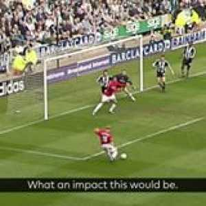 Paul Scholes scores goals! 😍  He bagged a hat-trick OnThisDay in 2003 as Man Utd ran riot at Newcastle