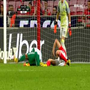 Benfica 4-[2] Vitoria Setubal - Jhonder Cadiz penalty 87'
