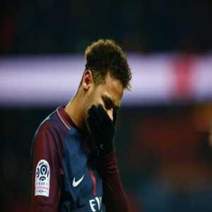 PSG will play Nantes away without Neymar, Cavani, Di Maria, Marquinhos, Thiago Silva, Meunier, Veratti, Bernat. Tuchel is also suspended for the match.