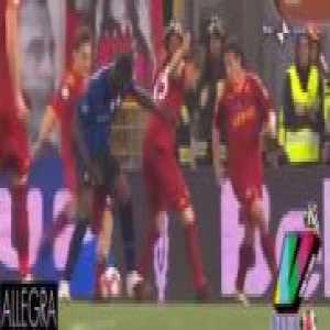 Totti trying to break Balotelli's leg