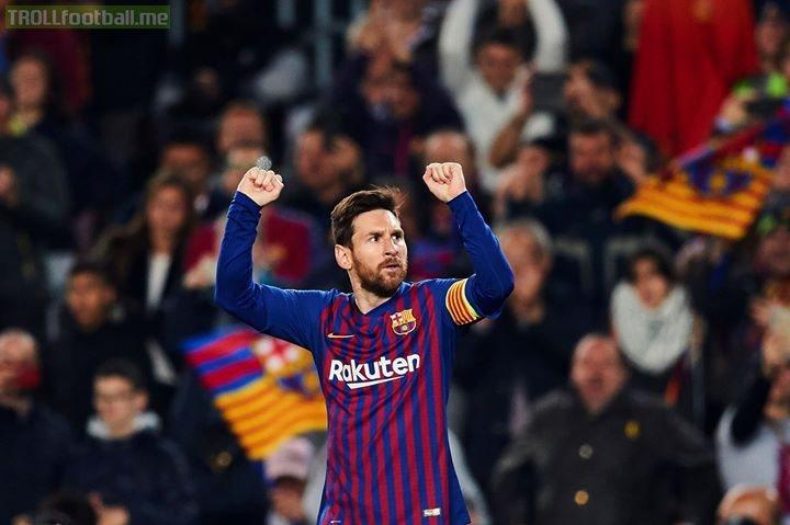 Goals outside the box this season. Messi:9 Ronaldo:1  Lionel Messi!👑🔥