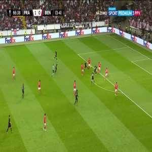 Eintracht Frankfurt [2]-0 [4-4 agg.] SL Benfica - Sebastian Rode 67'