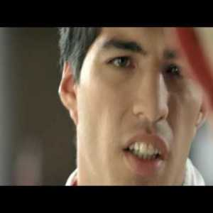 Old but gold. Luis Suarez in his Ajax time appearing in a dutch advertisment for BeterHoren. A company who helps people with hearing problems.