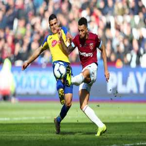 West Ham's Ryan Fredericks is the first defender to receive a perfect WhoScored 10 rating in a Premier League match since October 2009 (Thomas Vermaelen vs Blackburn)