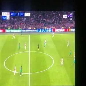 Hakim Ziyech chasing the ball vs Spurs