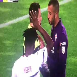 Vitor Hugo [Fiorentina] shoving the referee, no card.