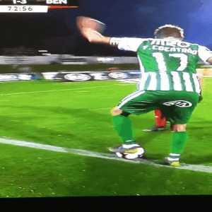 Samaris (SL Benfica) refuses to help Fábio Coentrão get up during the game.