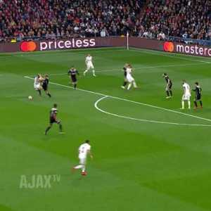 """AFC Ajax: """"Not everybody is looking forward (to Frenkie's arrival at Barca)"""""""