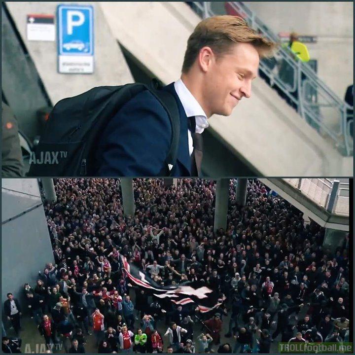 Ajax Fans Bidding Farewell To FRENKIE DE JONG At Amsterdam Airport Is So Beautiful 😍💖🔥  Respect
