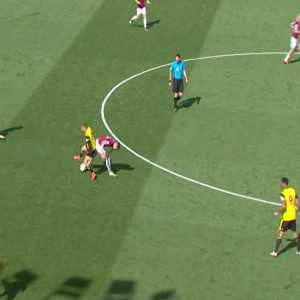 Declan Rice recovering possession vs Watford