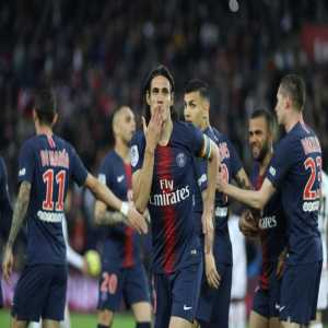 """Cavani: """"I want to finish my contract here. I love this club, I love life here, I feel good with my family. Yes, of course I'll be there next year."""""""