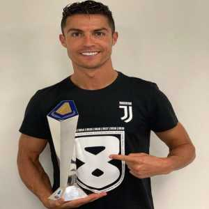 "Cristiano Ronaldo: ""Champion in England, Spain and Italy ... Best Player in England, Spain and Italy ... There is no limit to the achievements when the dream stays alive with each passing day! Fine Alla Fine !!! 🏆😀👌🏻"""