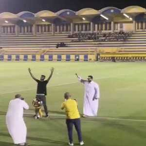 Remember the keeper who did the worm after preventing Al Hilal -the leaders of the Saudi League at the time- from scoring against him? He returned to his parent club's -Al Nassr- training today after that match helped them snatch the league and did the worm again