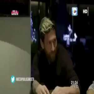 (VIDEO) Interviewer asks Messi and Suárez if they sit down or stand up while peeing, and Messi explains how sitting down is better than standing up