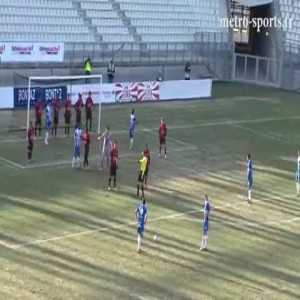 French side swap their goalkeeper with their wall to defend a freekick