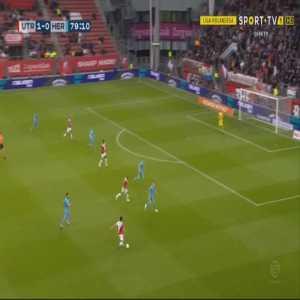 Utrecht 2-0 Heracles [4-0 on agg.] - Jean-Christophe Bahebeck 80'