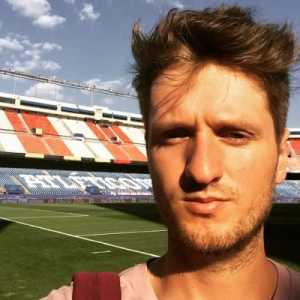 Samuel Marsden on Twitter: Messi and Pique to do press conference tomorrow pre-Copa final alongside Valverde. I make it Messi's first Barca press conference since CL semifinal vs. Bayern in 2015.
