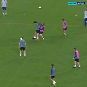 Luiz elbows Higuain in training before Baku Final..