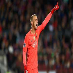 "Jasper Cillessen: ""My release clause doesn't make it easy for me to transfer. It's clear that Barca won't let me leave for an apple and an egg. The market is really crazy. Honestly."""
