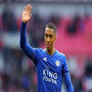 [Kristof Terreur] Man United have been in touch over Youri Tielemans again. Leicester are hoping to get a deal done, but Solskjaer likes the Belgian international. United are keeping close attention - talks with his agents. Tielemans wont return to Monaco. Spurs have other priorities.