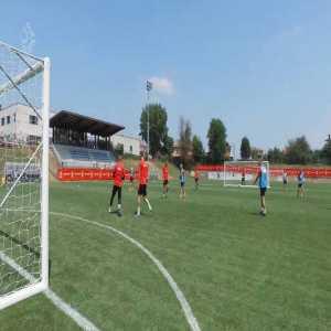 Polish U21 goalie channels René Higuita and finds an amazing way to intercept a cross