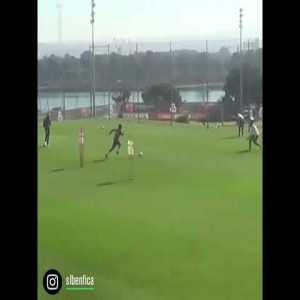 New video of a João Félix skill during training.