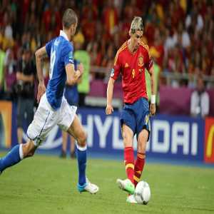 Torres is the only player to score in two different European Championship's Finals ever (against Germany in 2008 & versus Italy in 2012).