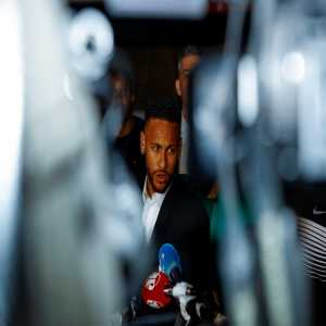 [Sport] : Neymar sued Barça for not paying him the 26 million euro commission for the renewal carried out shortly before going to PSG. Neymar has agreed to withdraw this lawsuit to return to Camp Nou