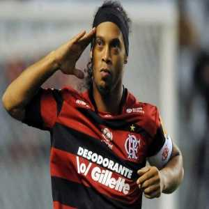 In 2011, Ronaldinho signed for Flamengo. He demanded a clause that allowed him to go to nightclubs 2 nights per week. His demand was accepted by the club