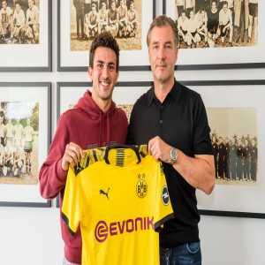 Official: Borussia Dortmund sign Mateu Morey
