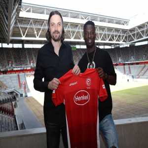 OFFICIAL: Fortuna Dusseldorf sign Nana Ampomah from Waasl. Beveren for 4M euros