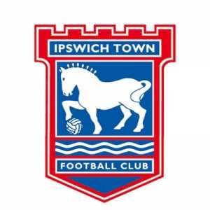 Ipswich Town have signed Luke Garbutt on a season long loan from Everton