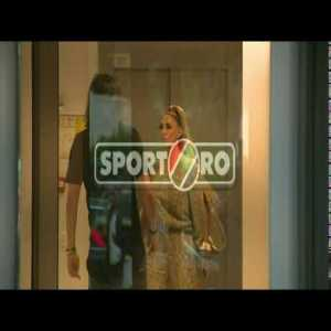 Romanian football agent, Anamaria Prodan, hits Astra Giurgiu's coach Dan Alexa and it's caught on camera