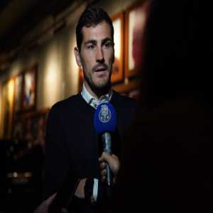 [Official] Casillas will remain in Porto as a staff member until he recovers his health