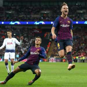 [L'EQUIPE] Barcelona has offered Coutinho and Rakitic for Neymar.