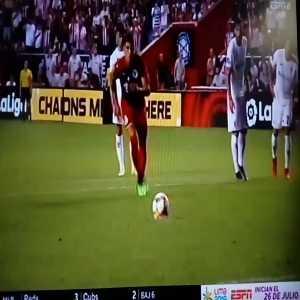 Pulido missed penalty (Fiorentina v Chivas)
